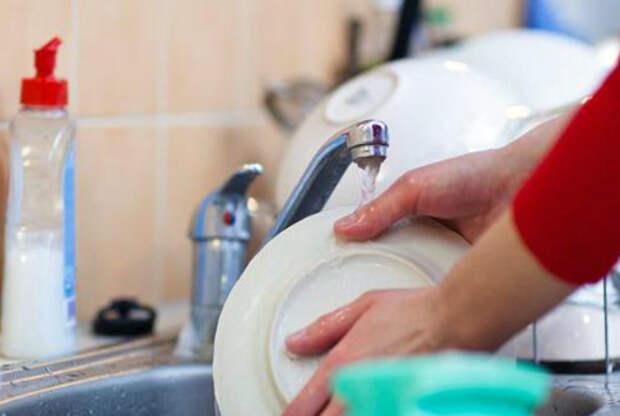 Мойте посуду сразу после еды или готовки.