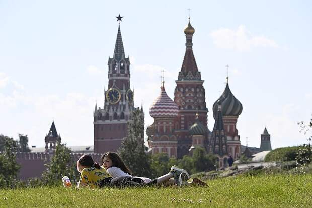 Аномальная жара в Москве: Синоптики прогнозируют абсолютный рекорд температуры
