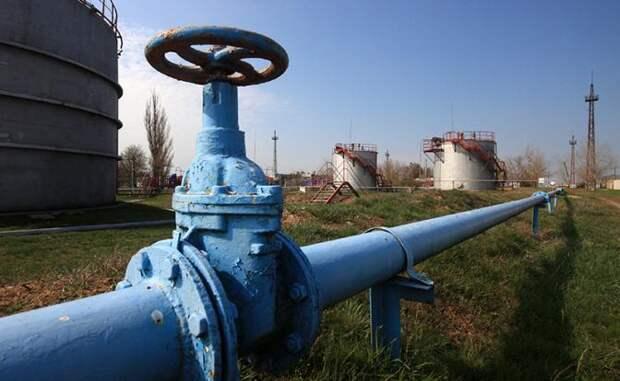 Киев: «Это мы русских добывать газ научили, и керосин придумали»
