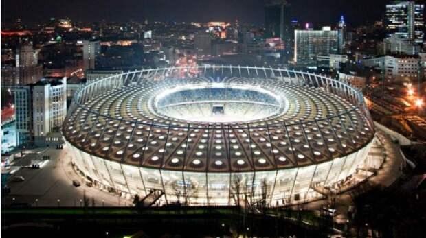 Зеленский не явился на дебаты с Порошенко на стадионе в назначенное время