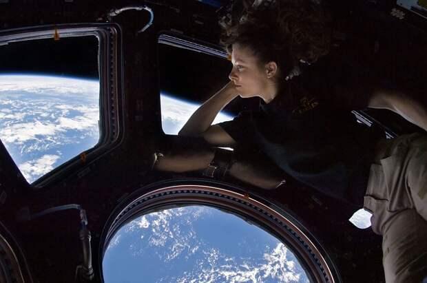 «Космические лекции»: как стать космонавтом, как жить в невесомости, и что будет с МКС после смерти