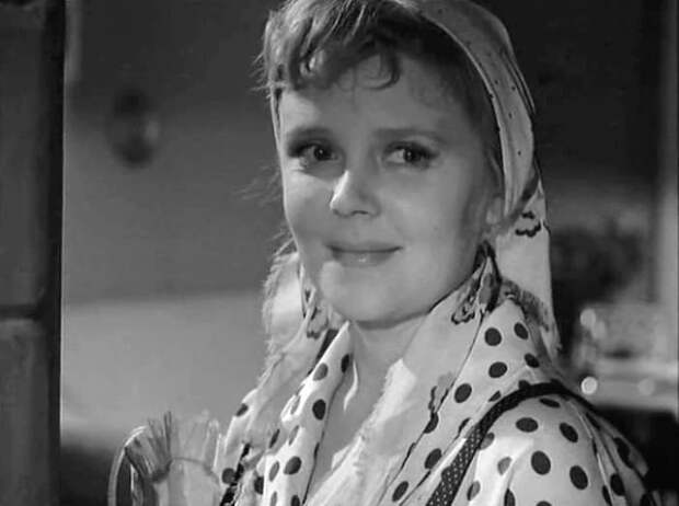 Роза Макагонова в фильме *Впереди – крутой поворот*, 1960 | Фото: kino-teatr.ru