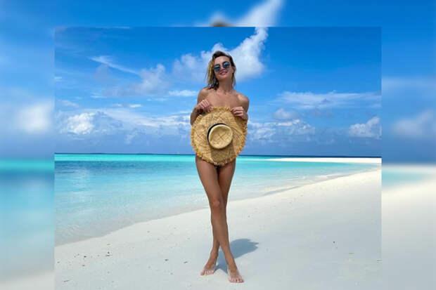 Полина Гагарина улетела на Мальдивы с любовником