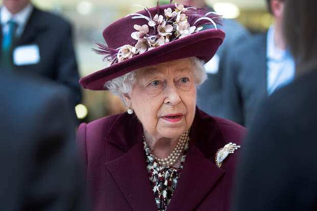 Елизавета II из-за коронавируса покинула Букингемский дворец