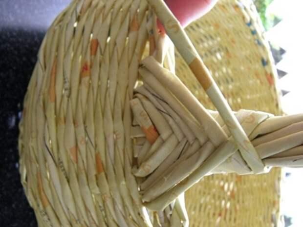 плетение из газет. корзинка из газетных трубочек (17) (336x448, 65Kb)