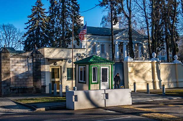 США сократили штат сотрудников своего посольства в Белоруссии