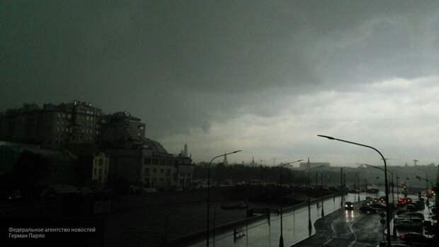 Дом престарелых затопило в Москве из-за мощного ливня