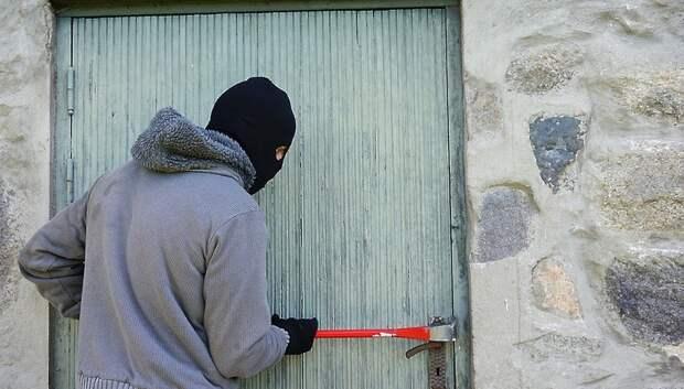 Полицейские Подольска раскрыли разбойное нападение и два грабежа на минувшей неделе