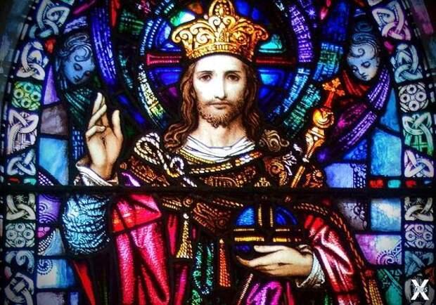 Почему Иисус изображается с атрибутам...