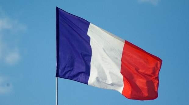 Франция поссорилась еще с одной страной из-за военного контракта
