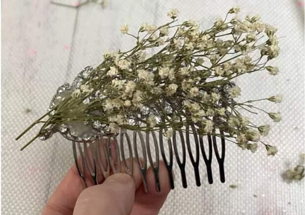 как украсить прическу цветами на свадьбу или выпускной своими руками гребень