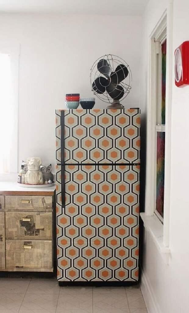 13. Если холодильник все еще работает, а душа требует обновлений, советуем декор Фабрика идей, дизайн, интересно, места для хранения, полезно, фото