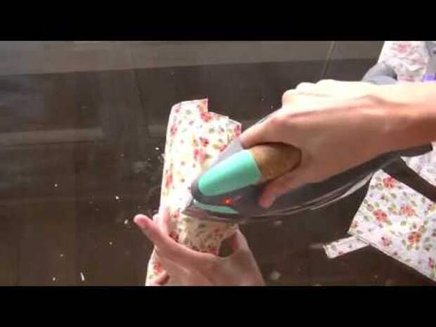 Картинки по запросу DIY tutorial: Decorate candles with paper napkins / Decorar velas con servilletas de papel