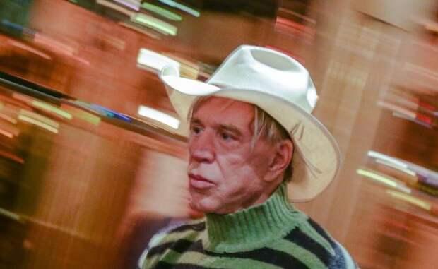 Микки Рурк вместе с другими звездами застрял в Латвии из-за карантина