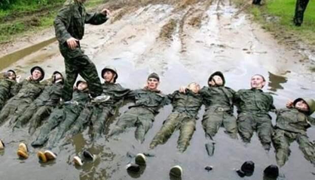 Армейский юмор, который поднимет ваше настроение – 15 фотографий суровых армейских будней