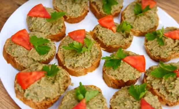 Изумительная орехово-баклажановая намазка на хлеб
