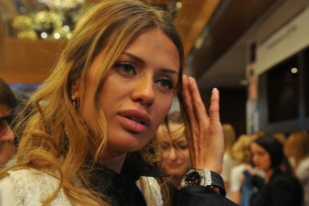 Боня пожаловалась на высокие коммунальные платежи за границей