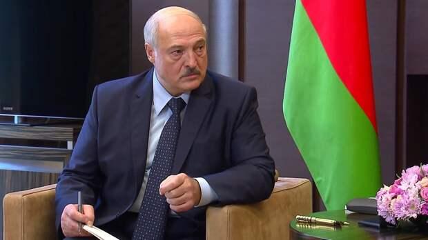 """""""Я прививаться не буду"""": Лукашенко объяснил, почему принял такое решение"""