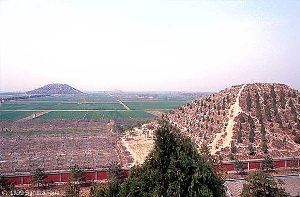 Великие пирамиды Китая