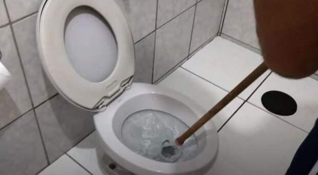 Начинаем чистить. /Фото: youtune.com.