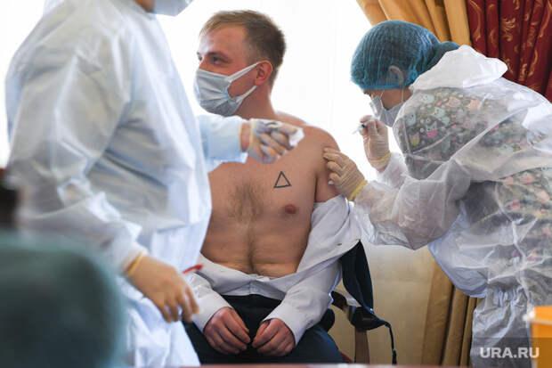 Свердловские медики огласили результаты COVID-вакцинации. Кровь привитых пригодилась