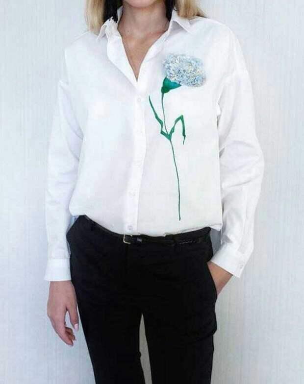 Блузка с гвоздикой