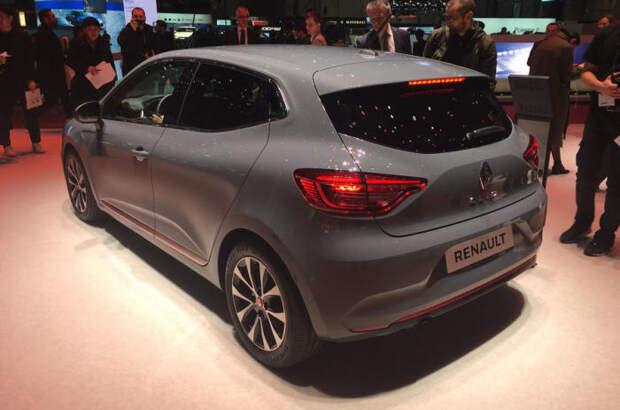 Пятое поколение французского хэтчбека Renault Clio появится на рынке уже в 2019 году.   Фото: autocar.co.uk.