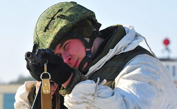 Российские десантники впервые в мире массово высадились в Арктике