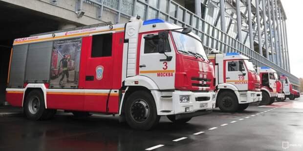 Загоревшийся мусоропровод в доме на Петрозаводской тушили пожарные