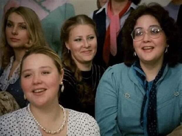 Татьяна Агафонова (слева) и Татьяна Новицкая в фильме «Забытая мелодия для флейты» (1987)