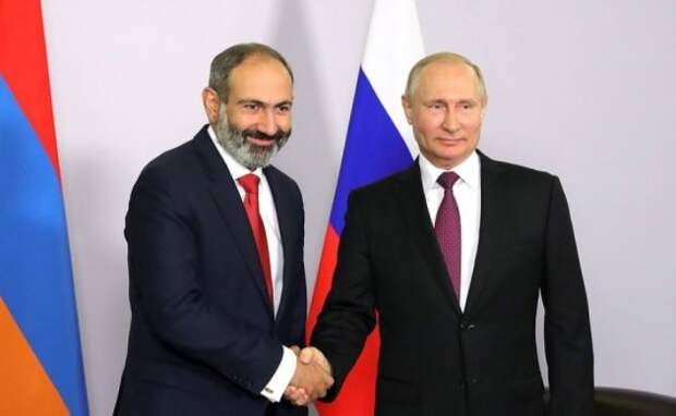 Армянский депутат сравнил сотрудничество с Россией и НАТО