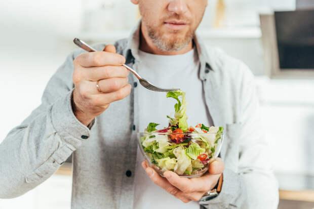 Диетологи назвали полезные для мужчин продукты