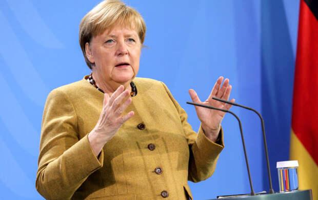 Меркель призвала допустить представителей ООН в Афганистан для оказания помощи