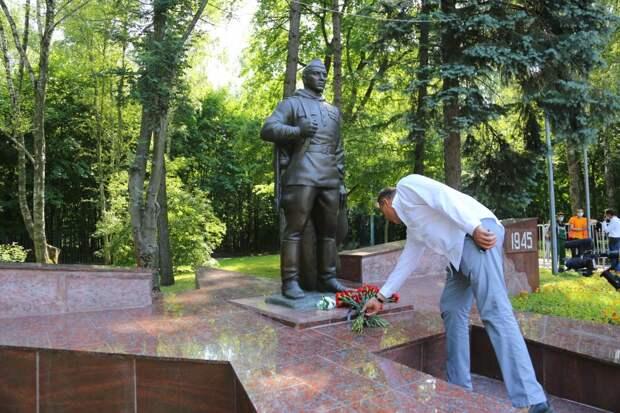 В Кузьминках после ремонта открыли памятник «Воину-Победителю»