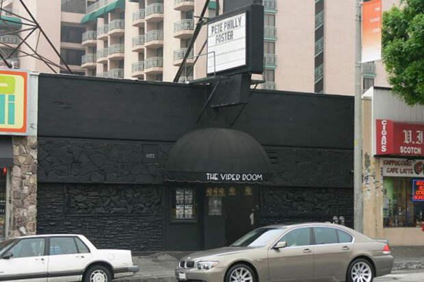 Клуб «Viper Room» на Сансет Стрит, Лос-Анджелес.