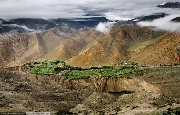 Верхний Мустанг. Живые горы