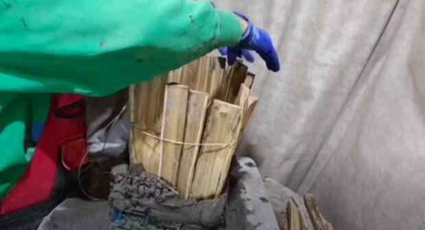 Мастер соединил дрова, цемент и пластиковый ящик и получил отличный результат