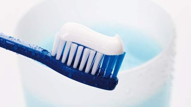 Врач перечислил ошибки при чистке зубов