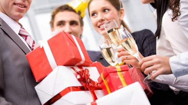 Что подарить коллегам на Новый год – Идеи подарков