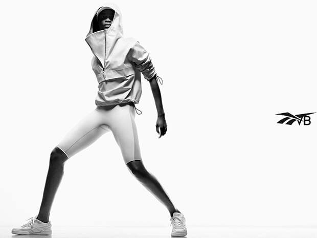 Одежда для отдыха на природе и спорта, кроссовки и ботинки с граффити: смотрим новые лукбуки