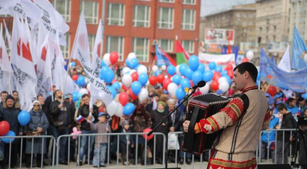 Президент РФ объявил дни между майскими праздниками нерабочими
