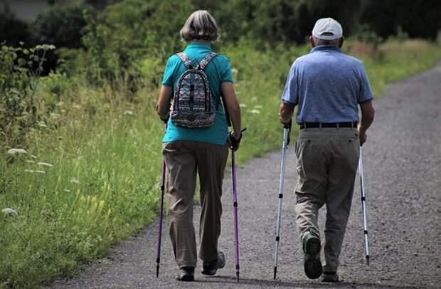 Для пенсионеров из Северного открыли три новых группы для занятий на свежем воздухе