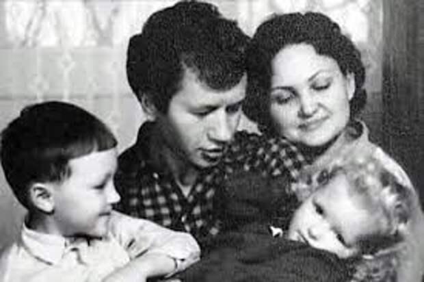 Олесь Быков: почему сын Леонида Быкова сбежал из СССР