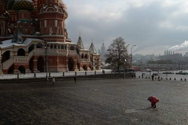 Синоптики ожидают ветреную погоду в Москве 26 октября 2021