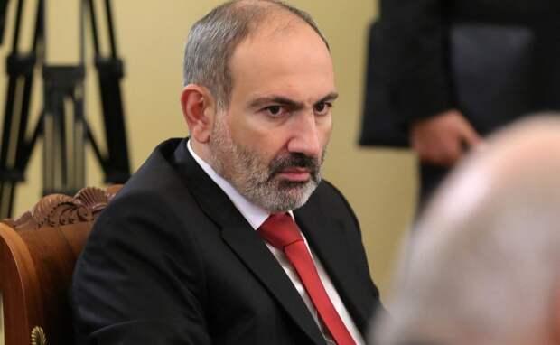 Поражение и предательство: армянские СМИ о перемирии в Карабахе