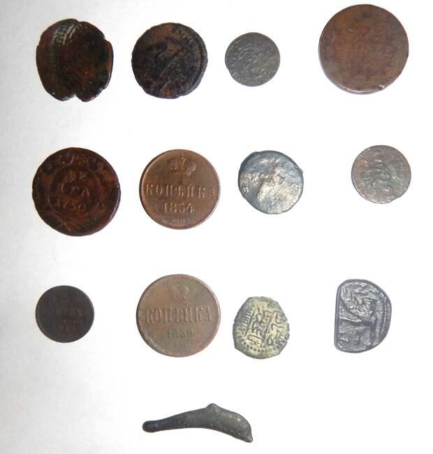 Украинский студент пытался вывезти из Крыма  13 старинных монет