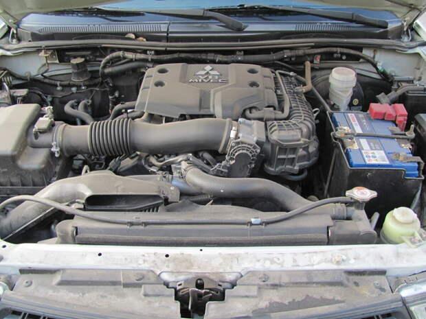 Из-за чего двигатель сильно вибрирует на холостых оборотах