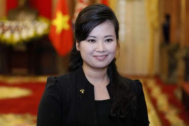 Бывшая любовница Ким Чен Ына заняла место его грозной сестры Ким ЁЧжон