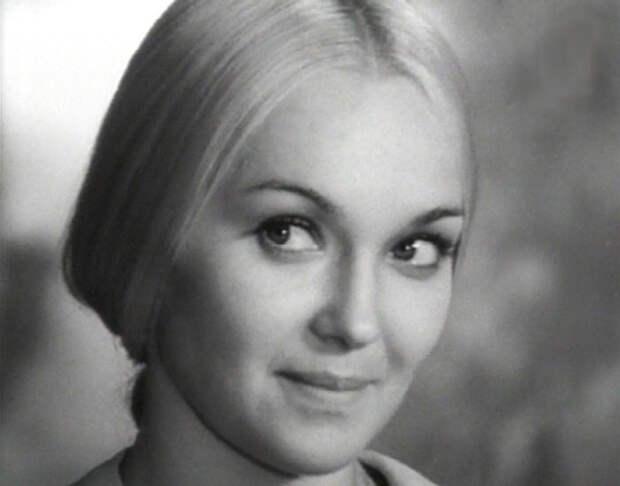 Советская и российская актриса театра и кино, звезда комедии «Большая перемена» и телесериала «Рождённая революцией».