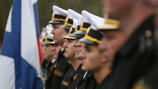 Главком ВМФ РФ поздравил российских моряков с годовщиной создания Северного флота